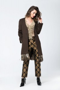 Cashmere coat with feathers