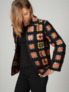 Patterned wool jacket with a zipper